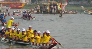 Lễ hội đua thuyền truyền thống Huế